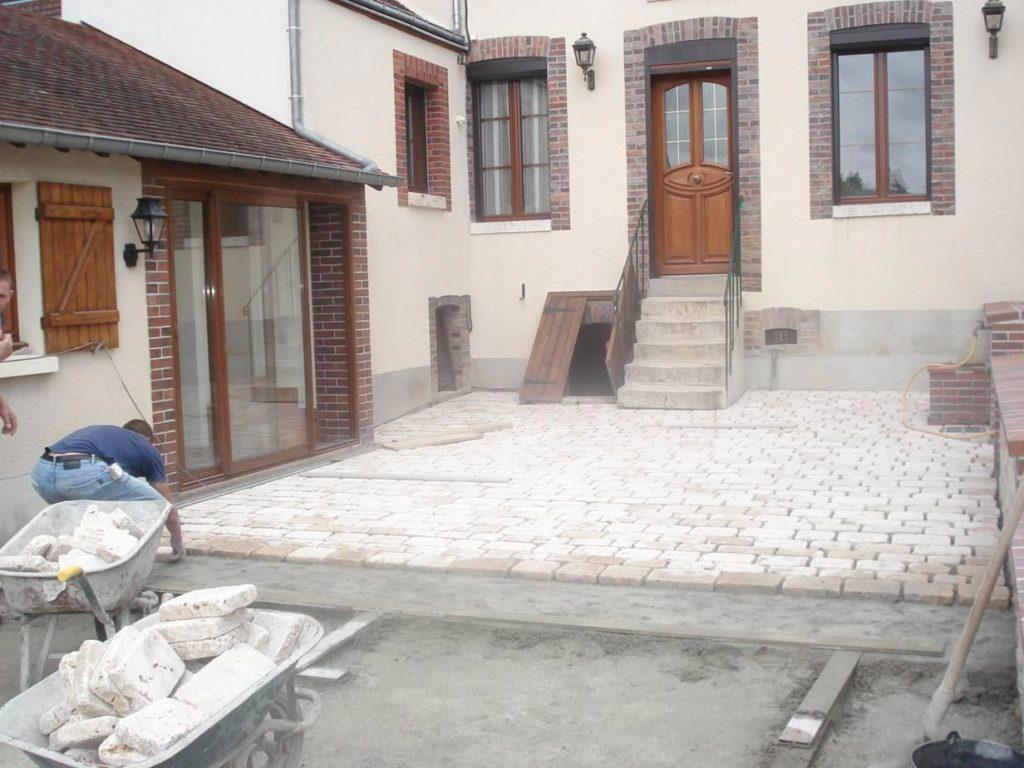 Dallage en pierre de Souppes à Montargis<div style='clear:both;width:100%;height:0px;'></div><span class='cat'>MAÇONNERIE</span>
